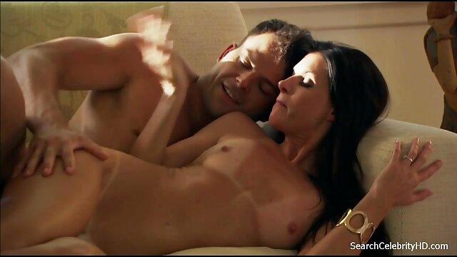 Splendida Emily Bloom film hard italiani completi gratis orgasmo